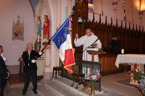 benediction-du-nouveau-drapeau-de-bellegarde-poussieu
