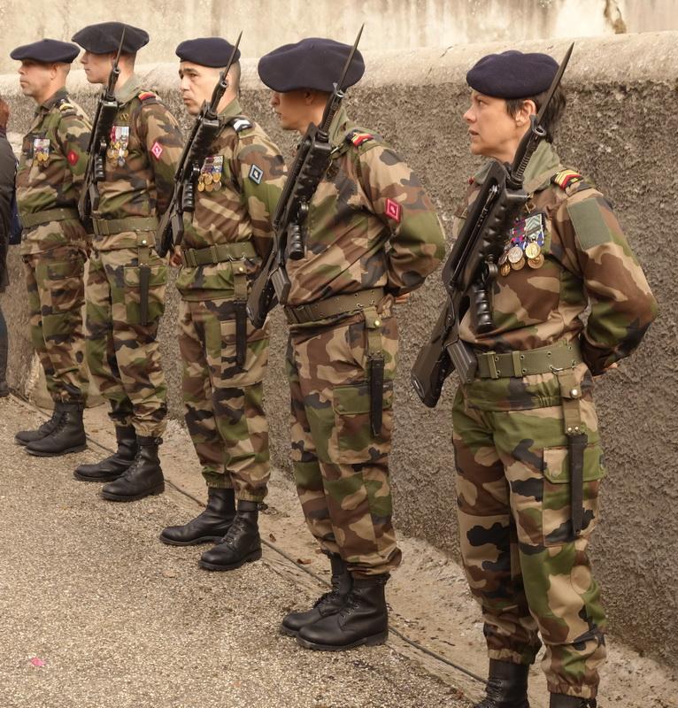 bellegarde-poussieu-piquet-militaire-11-nov-2015